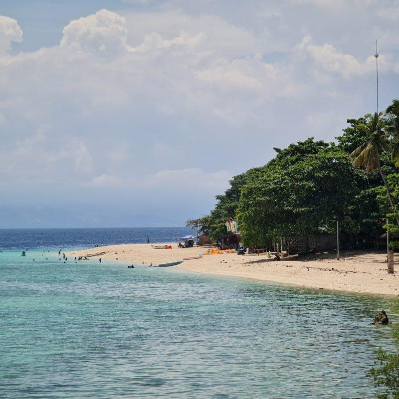 Moalboal White Sand Beach